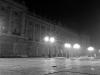 Palacio Real in der Nacht bei Nebel.